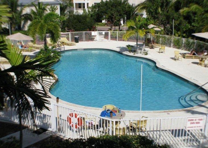 Luxury 3 bedroom condo overlooking harbor with ocean view, boat slip, amenities #10