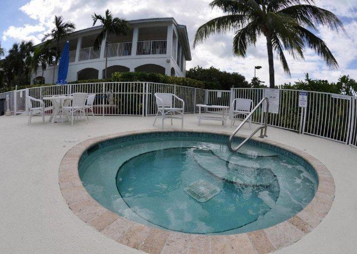 Luxury 3 bedroom condo overlooking harbor with ocean view, boat slip, amenities #12
