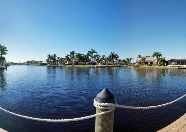 Bahama Breeze - Large Pool & Spa Facing to the Southwest on Intersecting Canals #50