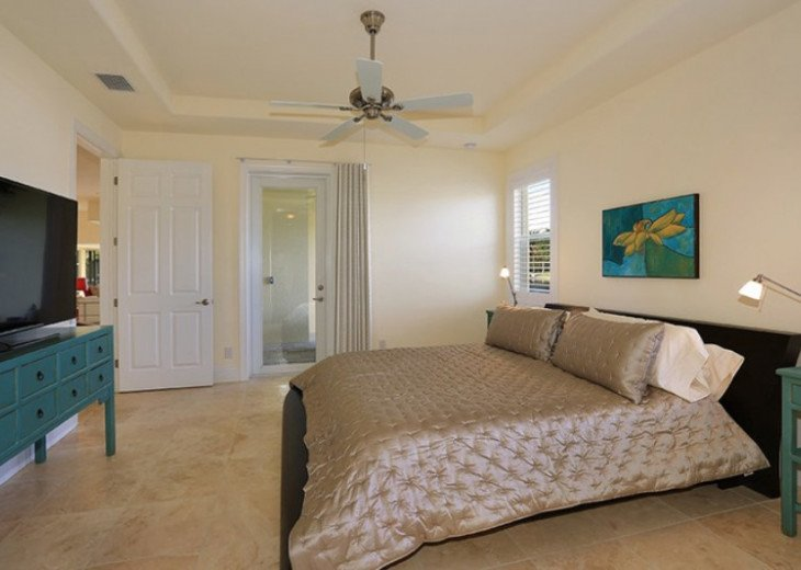 Bahama Breeze - Large Pool & Spa Facing to the Southwest on Intersecting Canals #38