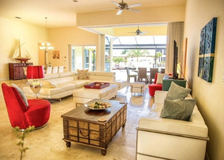 Bahama Breeze - Large Pool & Spa Facing to the Southwest on Intersecting Canals #25