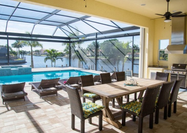 Bahama Breeze - Large Pool & Spa Facing to the Southwest on Intersecting Canals #6