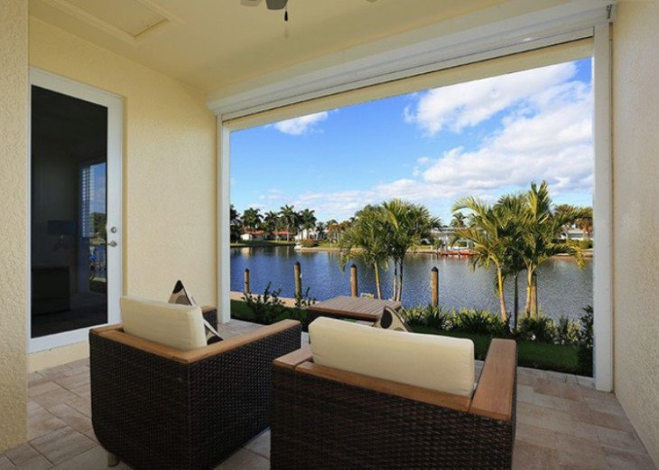 Bahama Breeze - Large Pool & Spa Facing to the Southwest on Intersecting Canals #21