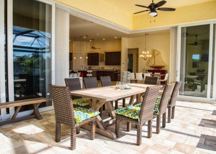 Bahama Breeze - Large Pool & Spa Facing to the Southwest on Intersecting Canals #10