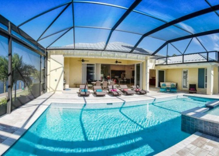 Bahama Breeze - Large Pool & Spa Facing to the Southwest on Intersecting Canals #5