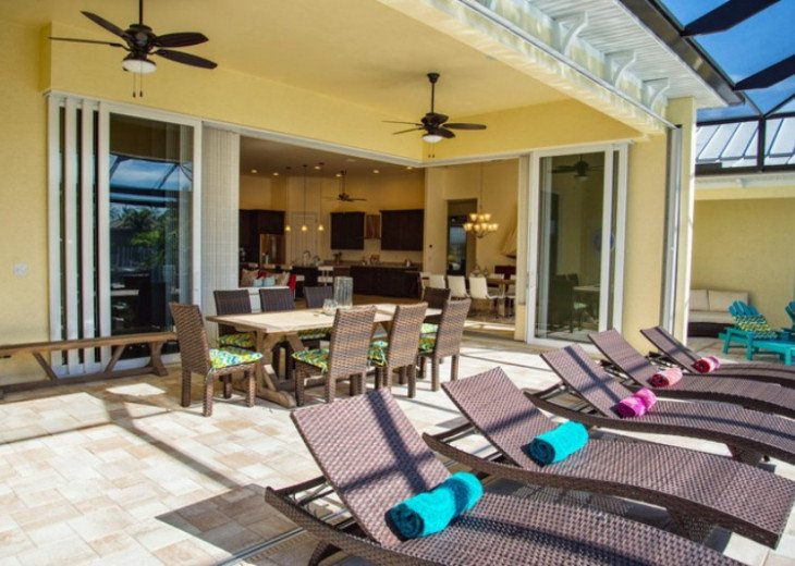 Bahama Breeze - Large Pool & Spa Facing to the Southwest on Intersecting Canals #7