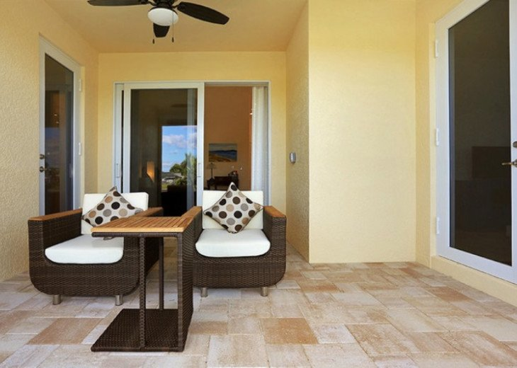Bahama Breeze - Large Pool & Spa Facing to the Southwest on Intersecting Canals #20