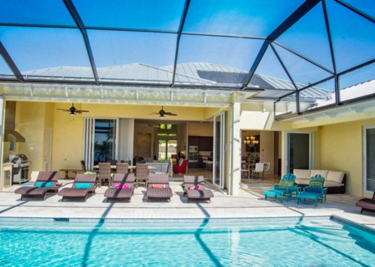 Bahama Breeze - Large Pool & Spa Facing to the Southwest on Intersecting Canals #17