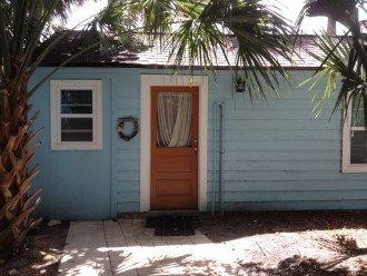 Cozy Cottage! Walk to Beach/Restaurants/Shopping. Watersport Rentals. Free WiFi #1