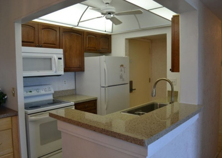 New Kitchen Cabinets with Quartz Counter Top