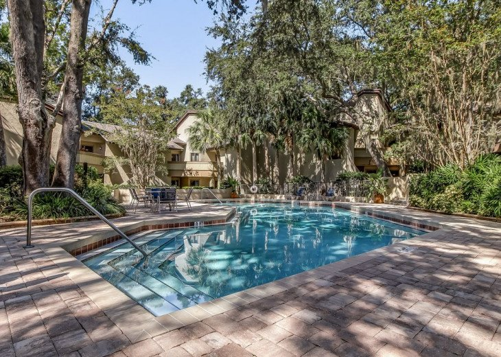 DESIRABLE OCEANSIDE PET FRIENDLY WITH FREE WIF #38
