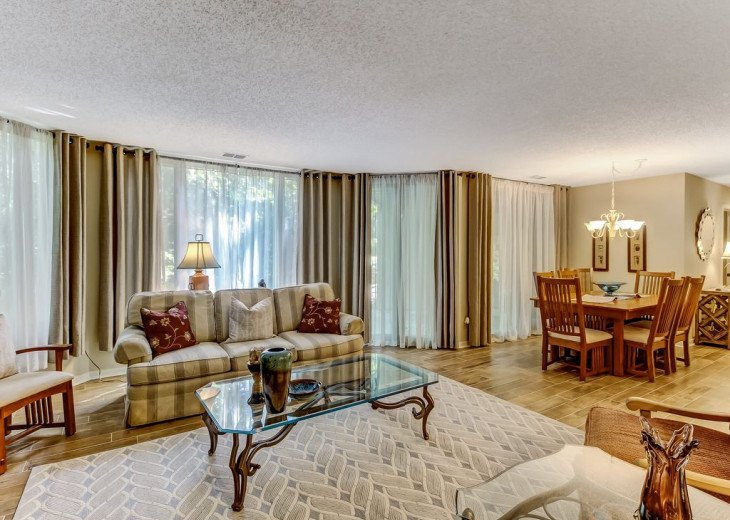 DESIRABLE OCEANSIDE PET FRIENDLY WITH FREE WIF #9