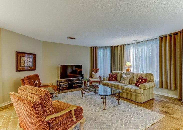 DESIRABLE OCEANSIDE PET FRIENDLY WITH FREE WIF #8