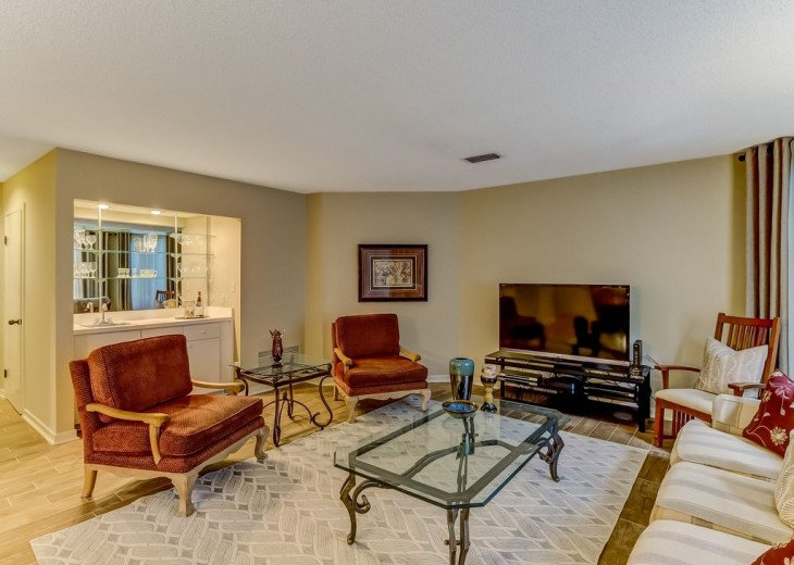 DESIRABLE OCEANSIDE PET FRIENDLY WITH FREE WIF #12