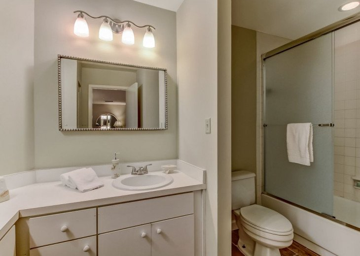 DESIRABLE OCEANSIDE PET FRIENDLY WITH FREE WIF #25