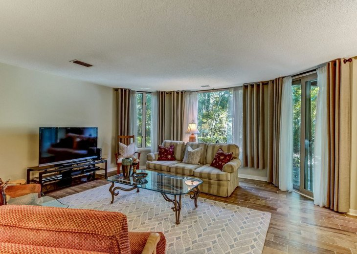 DESIRABLE OCEANSIDE PET FRIENDLY WITH FREE WIF #10