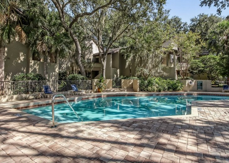 DESIRABLE OCEANSIDE PET FRIENDLY WITH FREE WIF #31