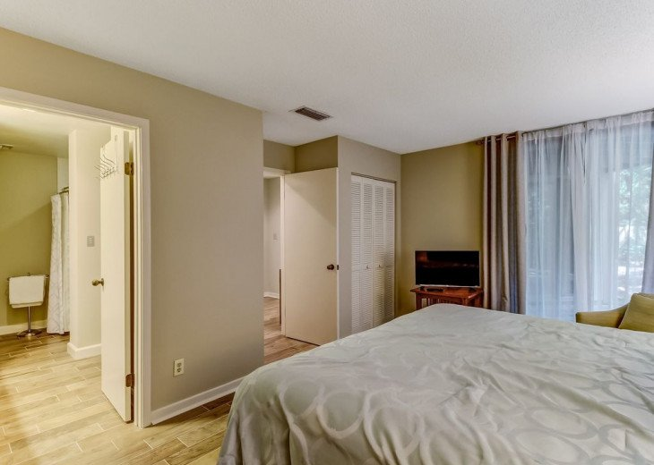 DESIRABLE OCEANSIDE PET FRIENDLY WITH FREE WIF #14