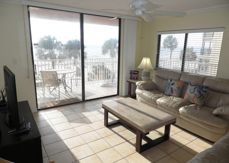 Fabulous End Unit - Huge Balcony Overlooking Beach #2