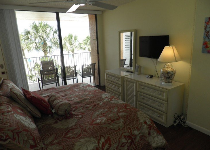 Fabulous End Unit - Huge Balcony Overlooking Beach #7