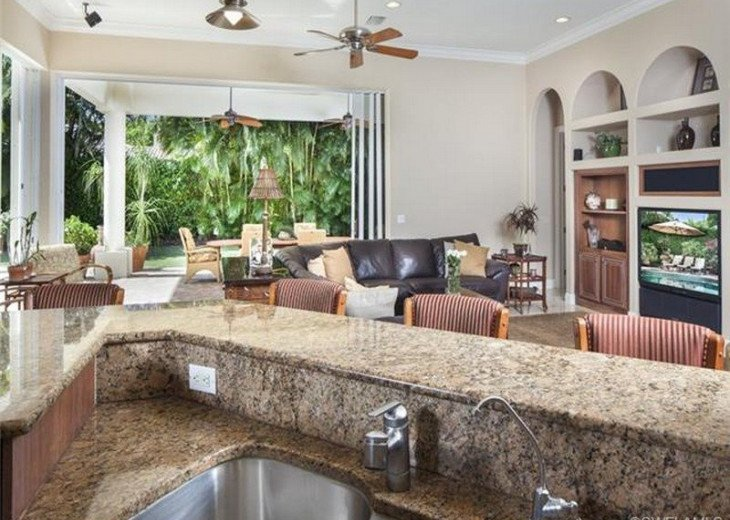 Palma Real Beach House ~ Located in the heart of Olde Naples #6