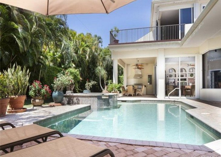 Palma Real Beach House ~ Located in the heart of Olde Naples #22