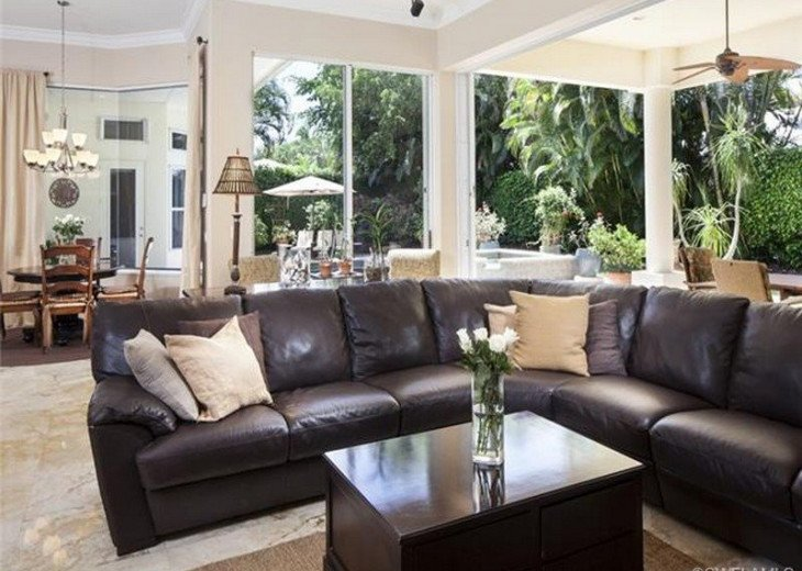 Palma Real Beach House ~ Located in the heart of Olde Naples #2