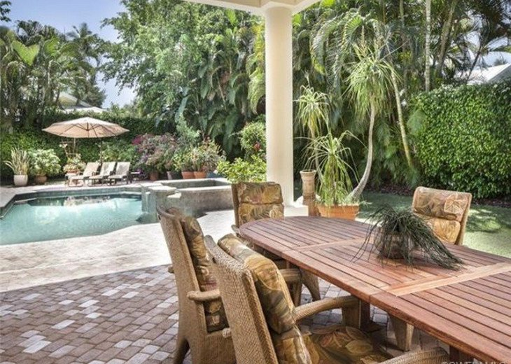 Palma Real Beach House ~ Located in the heart of Olde Naples #19