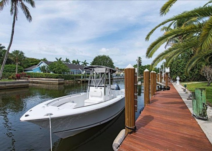 Manatee Cove Beach House ~ Walk to famous 3rd Street shopping and dining ~ #3
