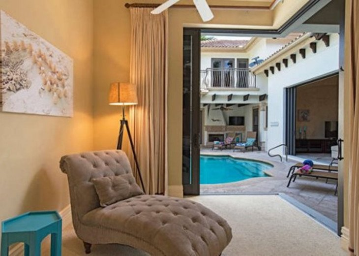 Royal Palm Beach House & Guest Cabana |Heart of Old Naples #10