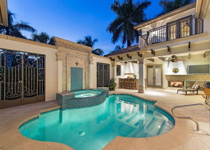 Royal Palm Beach House & Guest Cabana |Heart of Old Naples #4