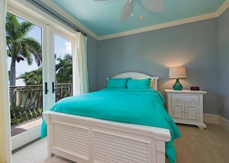 Royal Palm Beach House & Guest Cabana |Heart of Old Naples #14