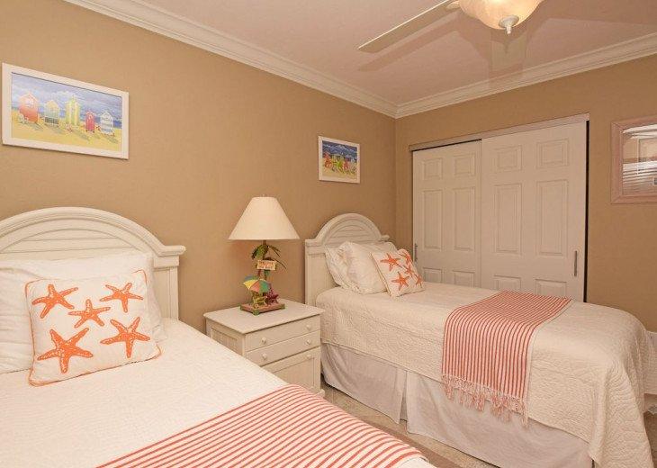 New fun guest bedroom w/ Baer Furniture/Lamp, Designer Art and 2 full Dressers