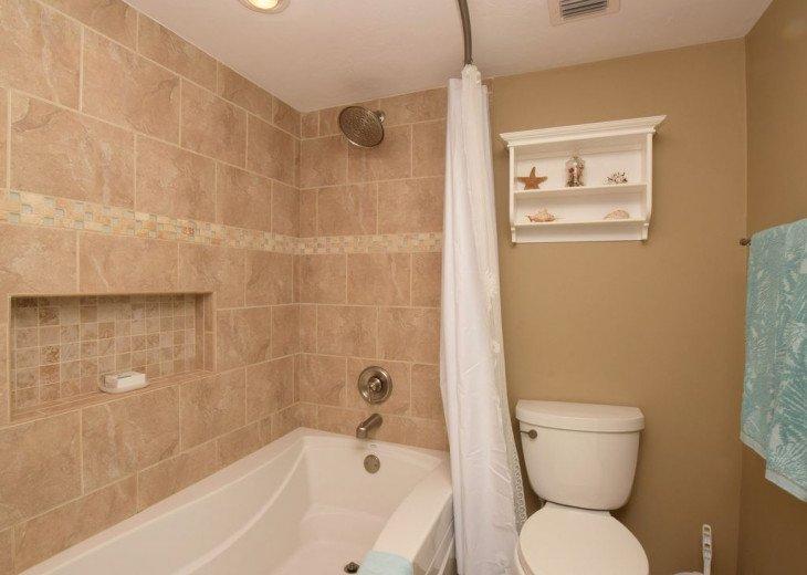 Oversized soaking Kohler tub, Moen 'RAIN SHOWER' and comfort height toilet