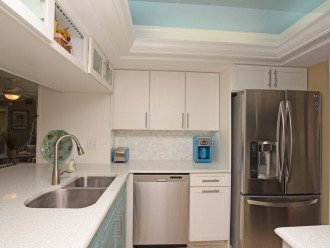 Oversized Key West Island with Cambria Quartz countertop that twinkles