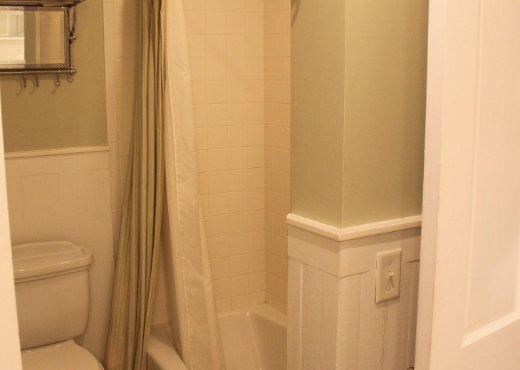 Jack and Jill bathroom shower/tub