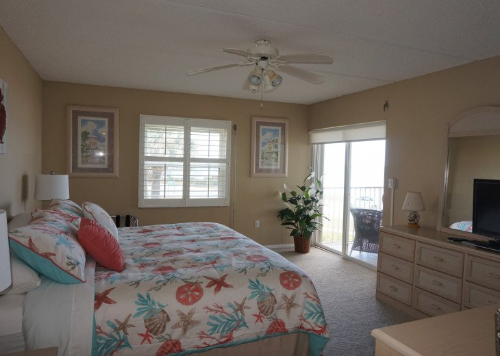 Seaside Retreat - Large 2BR/2BTH Ocean Front Condo #11