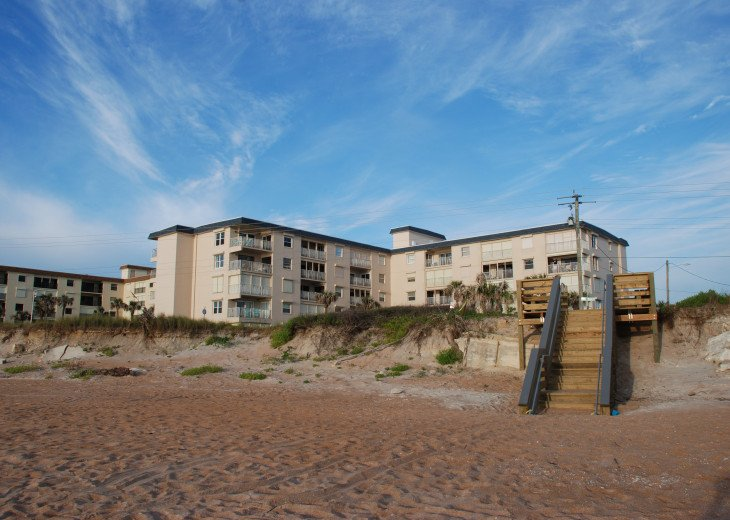 Seaside Retreat - Large 2BR/2BTH Ocean Front Condo #18