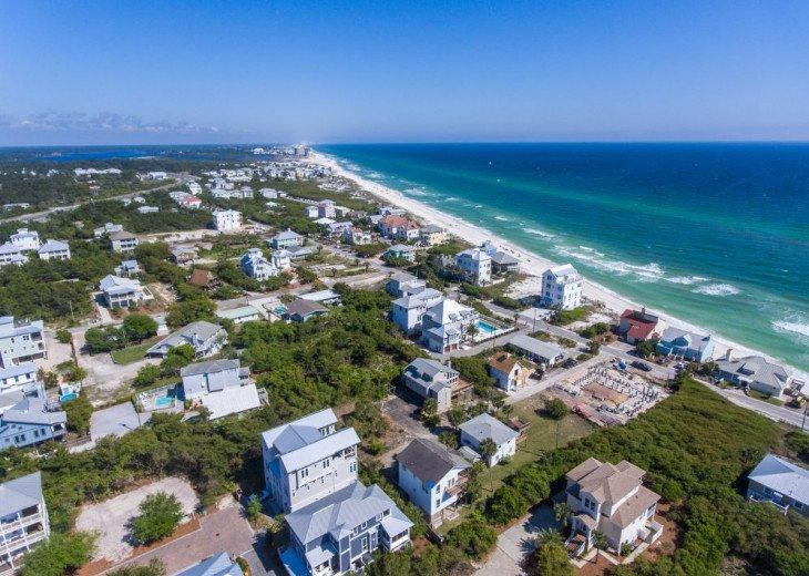 PANORAMIC OCEAN VIEWS, 2 Min. Walk to BEACH, POOL, 6 Bikes, Near Rosemary Beach! #77