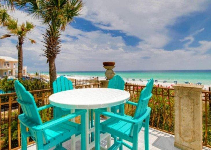 Casa De Palmas also offers additional outdoor dining