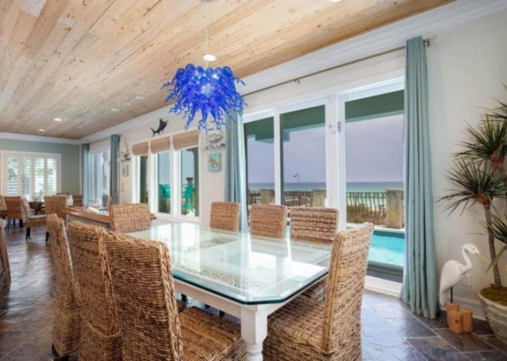 Dining area offering PRIME gulf views