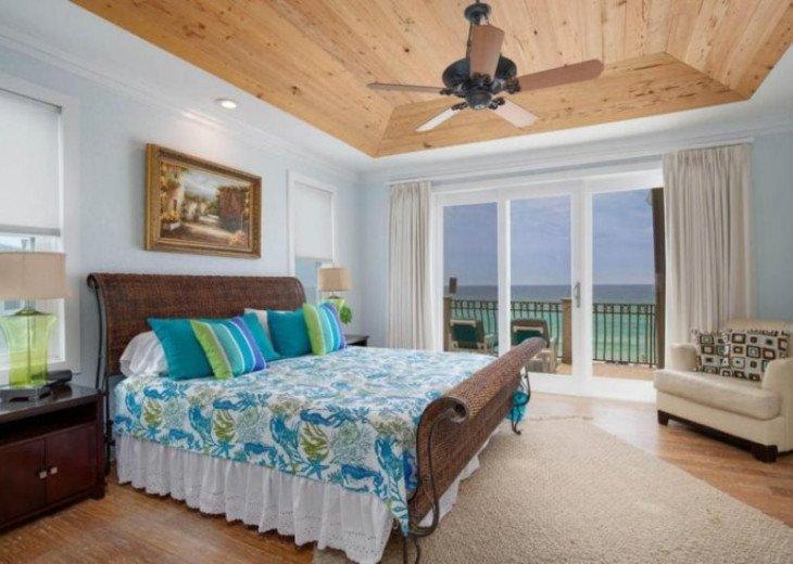 Third floor king suite offering gulf views