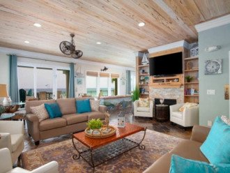 Open living area offering PRIME gulf views