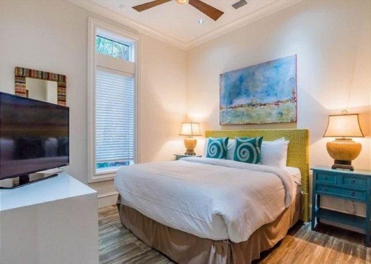 1st Floor King Bedroom w/ Shared Bath