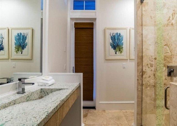 1st Floor King Bedroom Shared Bath