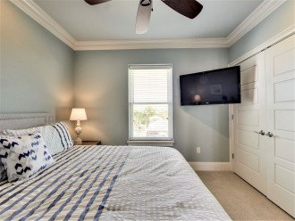3rd floor King Suite with Jack and Jill bathroom