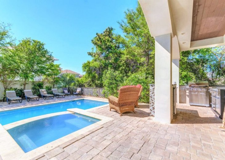 Large Private Pool feat. Outdoor Summer Kitchen and Plenty of Lounge Chairs