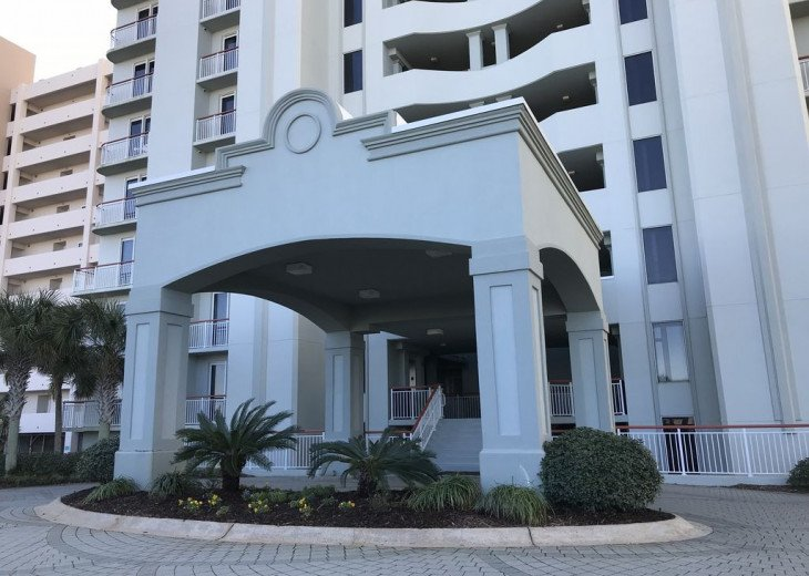 Beach Colony East, Magnificent 17th Floor Penthouse Views, directly beachfront #37