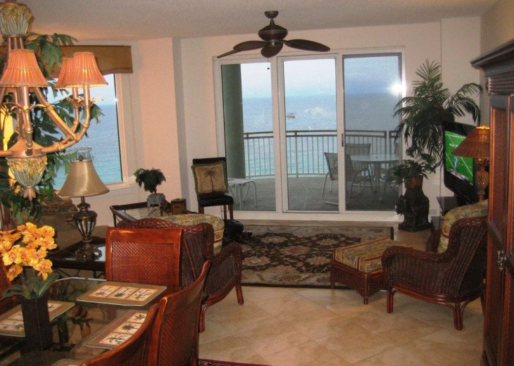 Beach Colony East, Magnificent 17th Floor Penthouse Views, directly beachfront #6