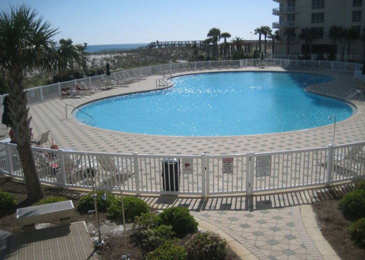Beach Colony East, Magnificent 17th Floor Penthouse Views, directly beachfront #25